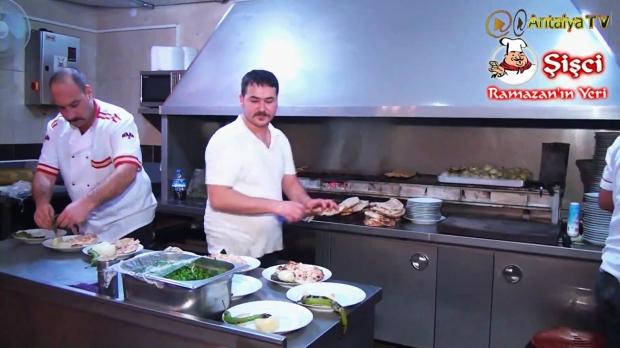 Antalya Şişçi Ramazanın Yeri -sisci ramazan -restaurant şiş köfte piyaz kabak tatlısı (19)