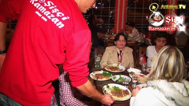 Antalya Şişçi Ramazanın Yeri -sisci ramazan -restaurant şiş köfte piyaz kabak tatlısı (39)