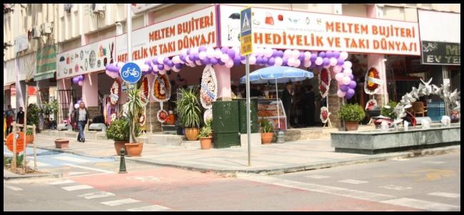Meltem Bujiteri Hediyelik ve Takı Dünyası- Antalya TV- Muhabir Rüya Kürümoğlu05