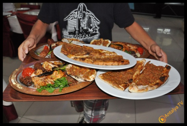 Eshab-ı Keyf Restaurant- Veysi  Akan- Ülkü Ocakları Eğitim Kültür Vakfı Antalya İl Başkanı Emrah Taşkın (18)
