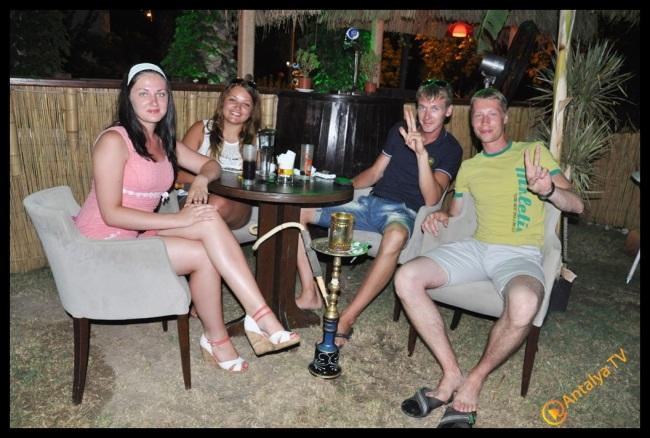 Aloha Cafe Bar- Bülent Soyubol- Antalya TV- Muhabir Rüya Kürümoğlu (4)