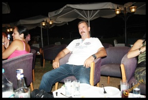 MYRA Beach Bar- Can Afacan- Murat Dalboyun Orkestrası- Antalya TV- Muhabir Rüya Kürümoğlu (15)