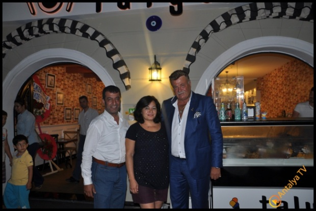 Talya Cafe Bistro- Fidan İlteray- Nuri Alço- Antalya TV- Muhabir Rüya Kürümoğlu (127)