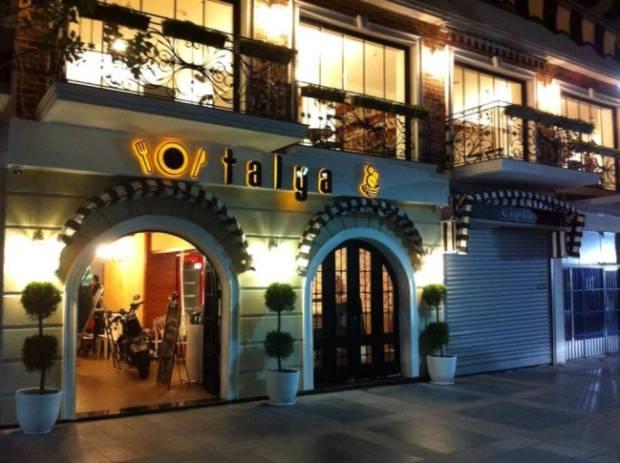 Talya Cafe Bistro- Fidan İlteray- Nuri Alço- Antalya TV- Muhabir Rüya Kürümoğlu ( (5)