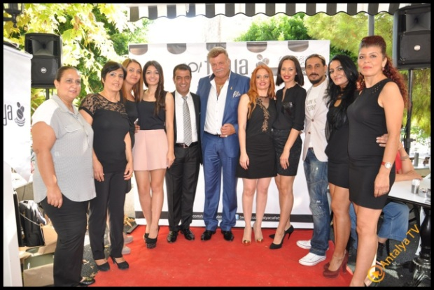 Talya Cafe Bistro- Nuri Alço, Fidan İlteray, Antalya TV, Muhabir Rüya Kürümoğlu (20)
