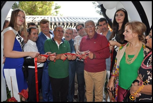 Talya Cafe Bistro- Nuri Alço, Fidan İlteray, Antalya TV, Muhabir Rüya Kürümoğlu (42)