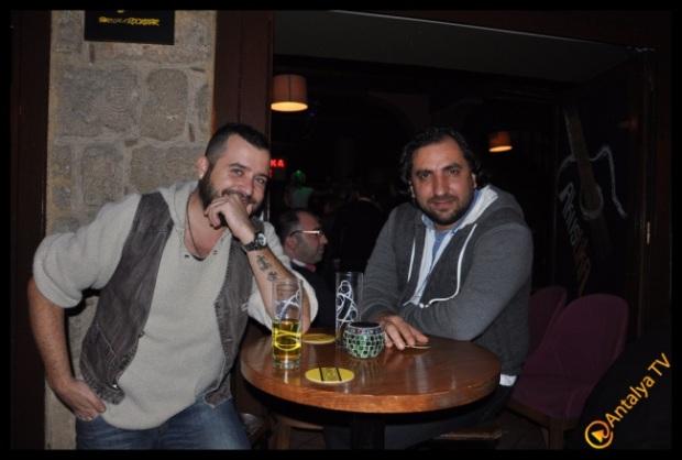 Akustika Cafe Pub- Erkan Keçeli- Ufuk Özbek - Solist Sercan MV