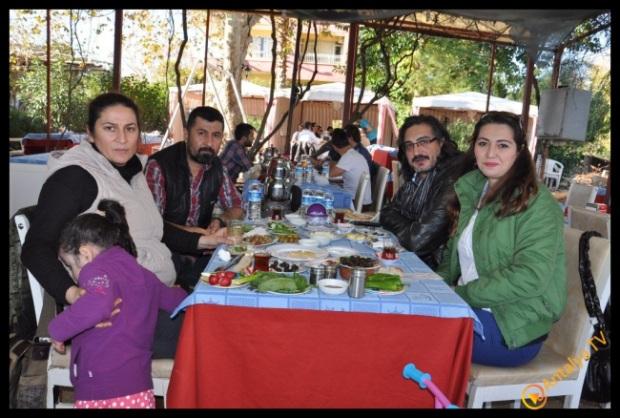 Kadim Dostlar Konağı, Efsane Köy Kahvaltısı Fasıl Restaurant'da Kahvaltı Keyfinde.