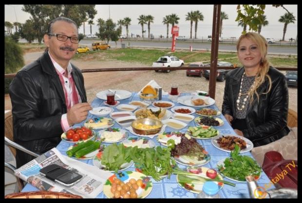 Udi Mümtaz Bayram Efsane Köy Kahvaltısı Fasıl Restaurant'da Kahvaltı Keyfinde