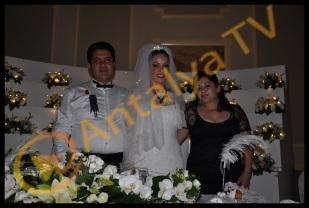 Kemer Belediye Başkanı Mustafa Gül ve Neşe Gül Düğününde Rüya Kürümoğlu