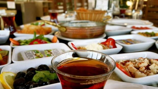 Antalya Kahvaltı Nasreddin Restaurant ta serpme kahvaltı  (19)