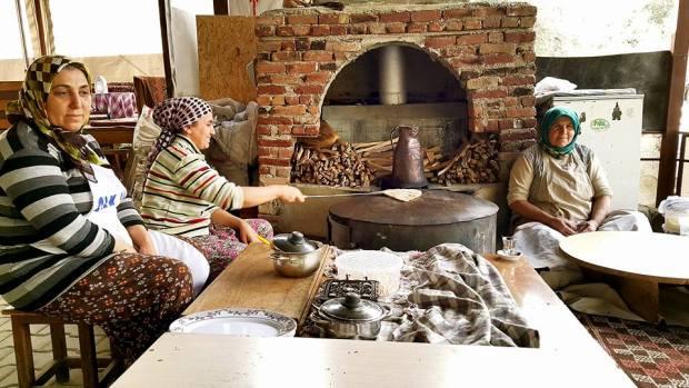 bacının yeri alanya köy kahvaltısı gözleme (3)