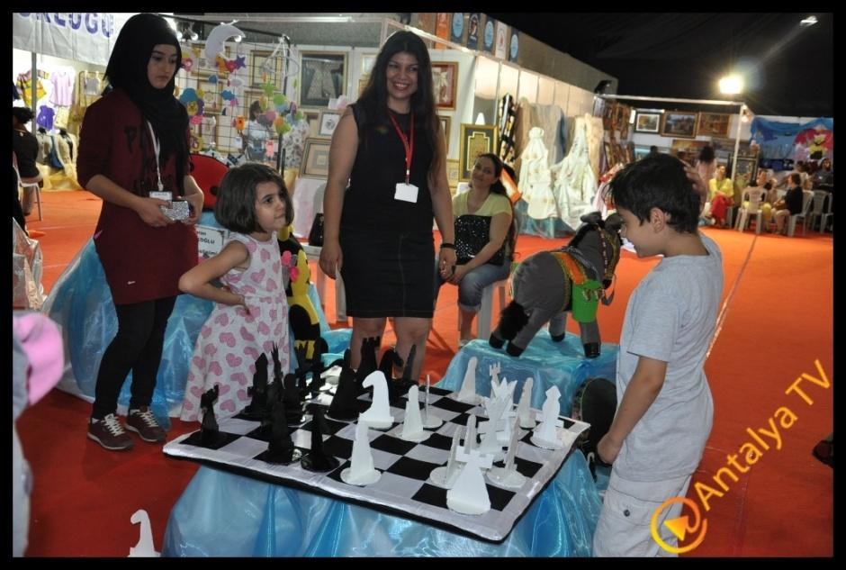 Azize Kahraman Halk Eğitim merkezi Yıl Sonu Sergisi