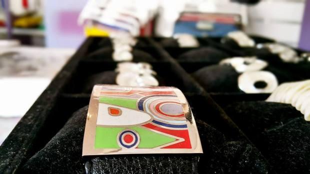 B & G Boutique Antalya - 0242 2295999 antalya takı mağazaları saat küpe yüzük kemer çanta modelleri (9)