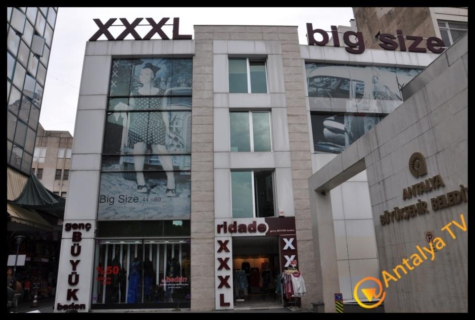 Genç büyük beden mağazası RİDADE – BEDRİN