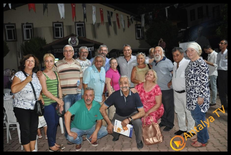Muratpaşa Belediye Başkanı Ümit Uysal Kaleiçinde İftar Yemeği Verdi (128)