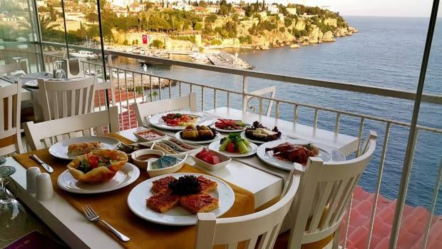Antalya Yemekli Düğün Salonları 0541 5418200  Kabare Saçıbeyaz Restaurant (2)