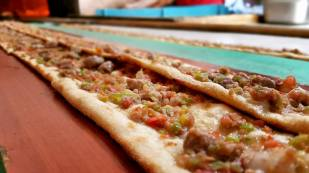Akkuyu Mahallesi Paket Servis Tel 0242 227 2627 Miray Konyalı Etli Ekmek Uncalı (12)
