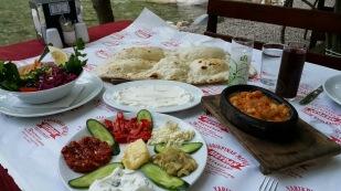 antalya kemer ulupınar en iyi restaurant kahvaltı yarıkpınar meydan restaurant (12)