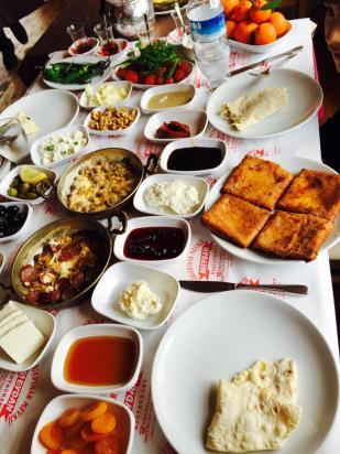 antalya kemer ulupınar en iyi restaurant kahvaltı yarıkpınar meydan restaurant (19)