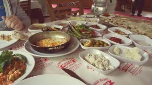 antalya kemer ulupınar en iyi restaurant kahvaltı yarıkpınar meydan restaurant (21)