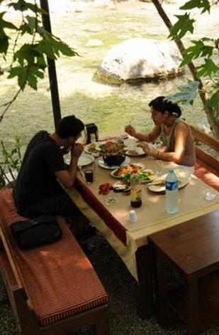 antalya kemer ulupınar kahvaltı mekanları yarıkpınar meydan restaurant (82)