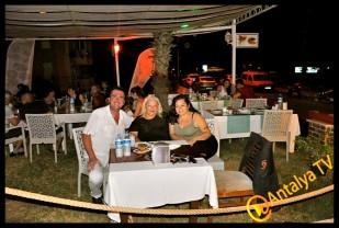 İzz Et Balık Restaurant'- Leyla Ertaş- İzzet Ünal- Leyla Ertaş- Rüya Kürümoğlu
