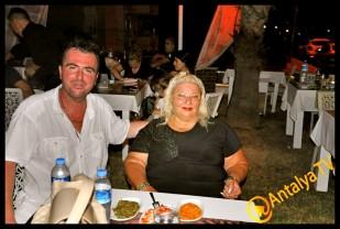 İzz Et Balık Restaurant'- Leyla Ertaş- İzzet Ünal- Leyla Ertaş