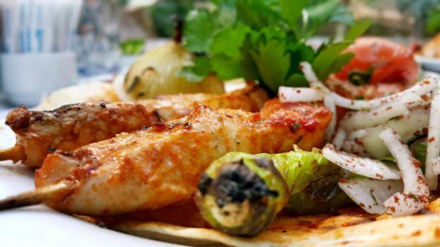 meselik-restoran-antalya-raki-balik-zengin-meze-cesitleri-alkollu-restaurantlar-serpme-kahvalti-12