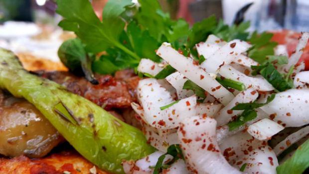 meselik-restoran-antalya-raki-balik-zengin-meze-cesitleri-alkollu-restaurantlar-serpme-kahvalti-16