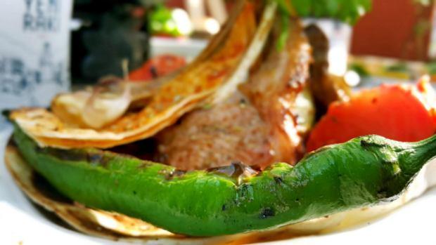 meselik-restoran-antalya-raki-balik-zengin-meze-cesitleri-alkollu-restaurantlar-serpme-kahvalti-22
