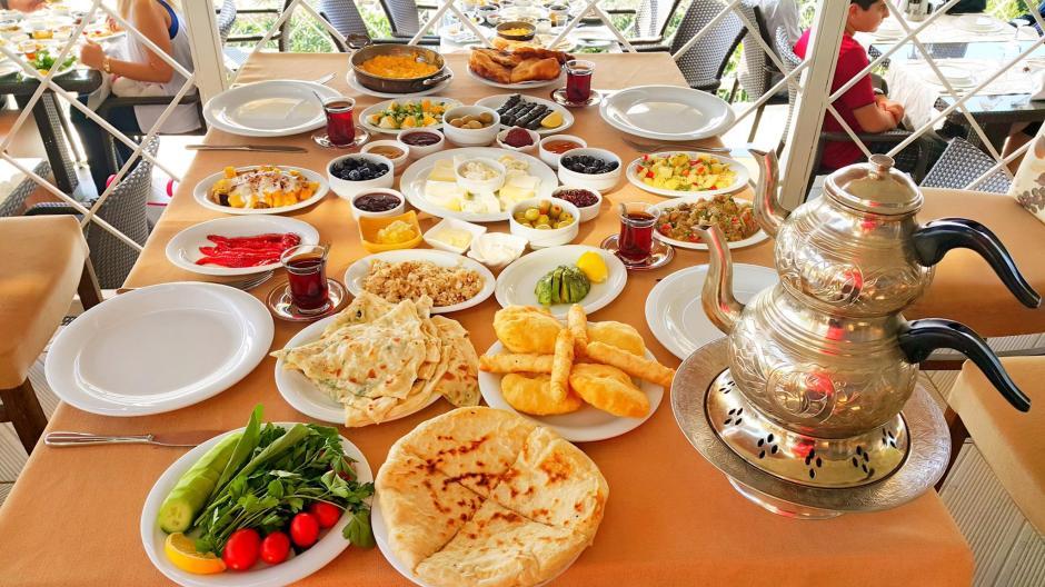 alanya-kahvalti-mekanlari-0242-522-00-58-haftasonu-gidilecek-yerler-serpme-van-koy-kayvaltisi-en-iyi-restaurant-gidilecek-yerler-13