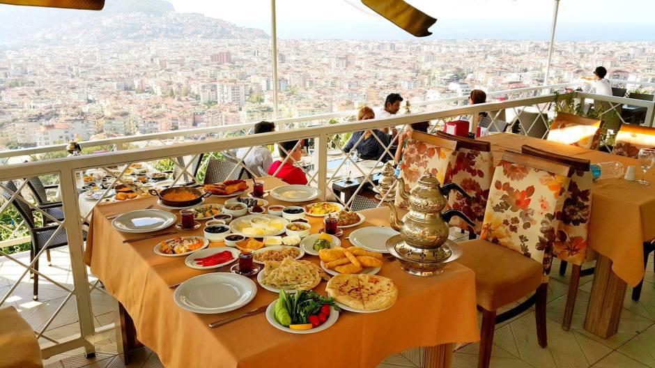 alanya-kahvalti-mekanlari-0242-522-00-58-haftasonu-gidilecek-yerler-serpme-van-koy-kayvaltisi-en-iyi-restaurant-gidilecek-yerler-20