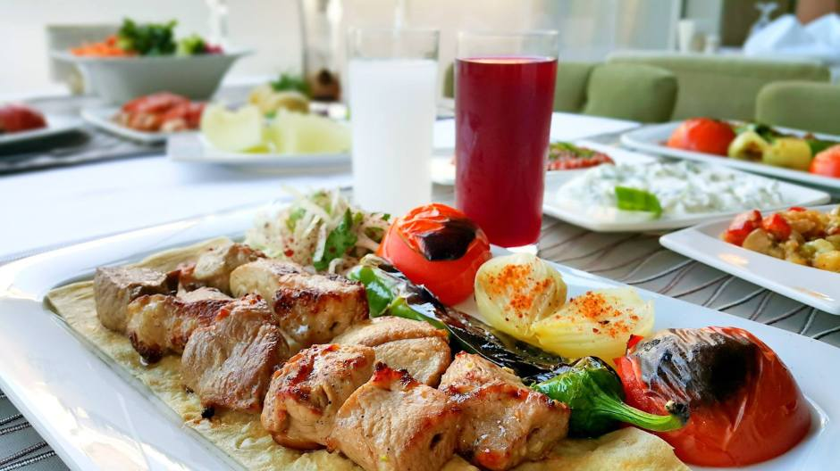 antalya-meshur-ocakbasi-05363323032-et-restorani-alkollu-mekanlar-canli-muzik-1