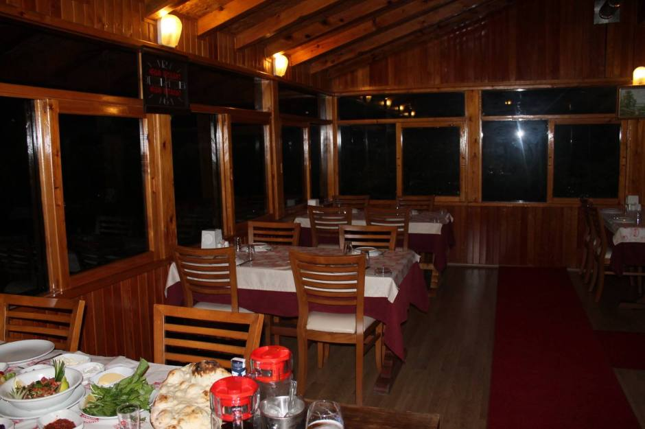 kemer-gidilecek-yerler-0532-253-13-24-ulupinar-restoran-kahvalti-balik-tutma-en-iyi-restoran-10