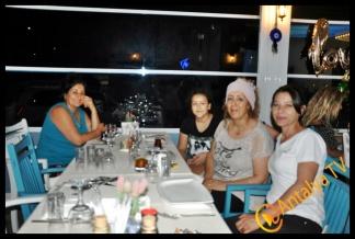 Hatıra Şenoğul Dğum Gününü Keyfi Derya Balık Evinde kutladı
